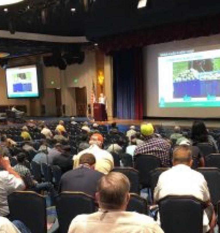 Symborg, ponente experto en microorganismos durante la 2018 CAPCA Conference & Agri-Expo